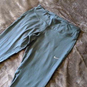 Nike Pants - Nike Epic Running Crop